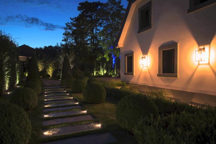 Illuminazione giardino esterna